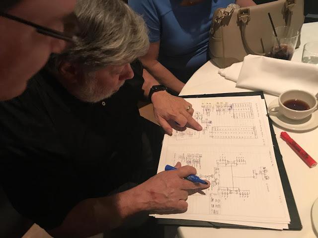 1504186320 706 steve wozniak kevin mitnick chema alonso cenan en california y yo me desmayo p - Steve Wozniak, Kevin Mitnick & Chema Alonso cenan en California... y yo me desmayo }:P