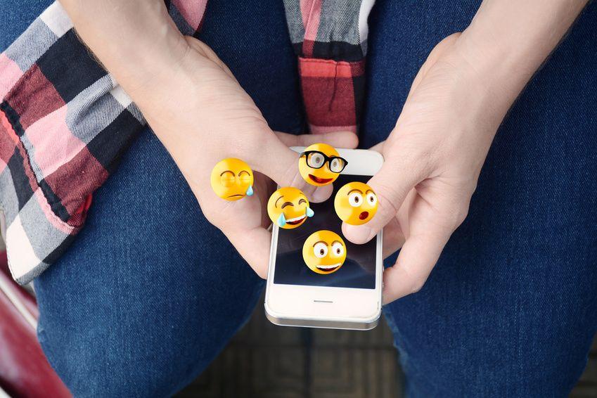 Les emojis: des polémiques, de l'art et bientôt un film! Ailleurs sur le Web, Actualité