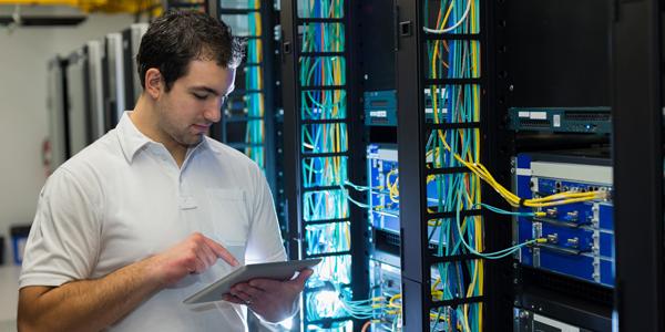 Le SD-WAN à la conquête des cœurs de réseau Réseaux et télécoms, Réseaux, Réseau sans-fil, Cloud Monitor, Cloud computing, Cloud, Architecture réseaux
