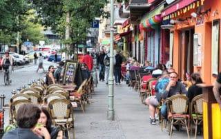 Le dilemme du Wi-Fi gratuit : les hotspots publics doivent-ils bloquer les sites de partage de fichiers ?