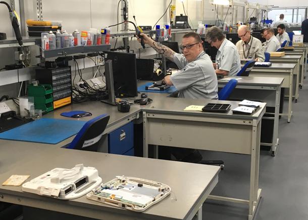 1498155562 517 visite en images dans lune des dernieres usines de pc et tablettes deurope - Visite en images dans l'une des dernières usines de PC et tablettes d'Europe
