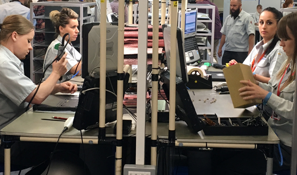 1498155562 653 visite en images dans lune des dernieres usines de pc et tablettes deurope - Visite en images dans l'une des dernières usines de PC et tablettes d'Europe