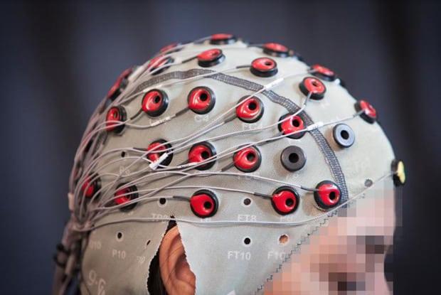 des chercheurs corrigent les erreurs dun robot avec lesprit - Des chercheurs corrigent les erreurs d'un robot avec l'esprit