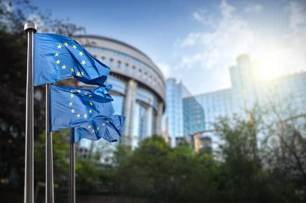bruxelles revient a la charge sur les cgu des reseaux sociaux - Bruxelles revient à la charge sur les CGU des réseaux sociaux